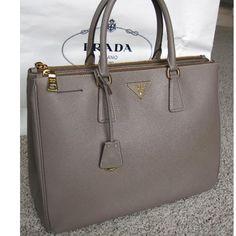 Prada purses and handbags photo - 3