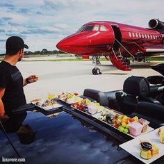 LUXURY Connoisseur    Kallistos Stelios Karalis    +A Private Jet - The Luxury Lifestyle