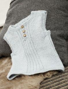 baby slipover free pattern in danish Knitting For Kids, Baby Knitting Patterns, Crochet For Kids, Crochet Baby, Baby Barn, Vest Pattern, Free Pattern, Knit Vest, Newborn Outfits