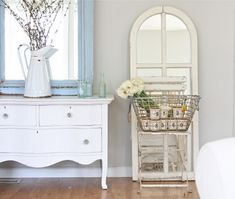Shabby chic and cottage chic accents