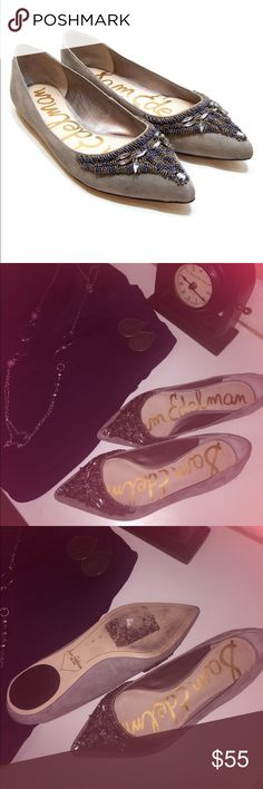 Sam Edelman Gray Suede CINDI Flat Look 👀 what I found for you! These flats are in perfect condition. You can pair these with 👖 or dressy pants or a skirt. Make me an offer. Sam Edelman Shoes Flats & Loafers