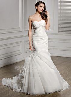 Trumpet/Mermaid Sweetheart Chapel Train Organza Wedding Dress With Ruffle (002056468)