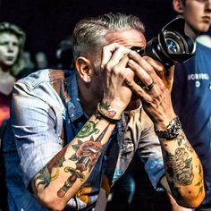 Old school tattoo's on me, taking pictures..... #oldschooltattoos #sailorjerry #concertphotography #livemusicphotography #tattoos #bluehearttattoo