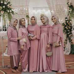 "13.3k Likes, 54 Comments - hamidah rachmayanti (@hamidahrachmayanti) on Instagram: ""Kain batik: @seribubatik  Photo by suami paling ganteng @defarhad"""