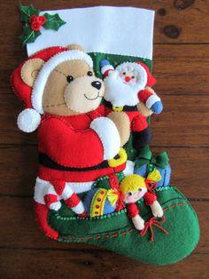 Navidad de Bucilla Teddy 18 terminado Cute Christmas Stockings, Felt Christmas, Christmas Holidays, Christmas Decorations, Holiday Decor, Holidays And Events, Needle Felting, Sewing Projects, Merry