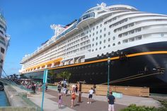 OUR VERY MERRYTIME CRUISE ON THE DISNEY DREAM 2015: TRAVELOGUE DAY 2- NASSAU, BAHAMAS   travelingmommy.com