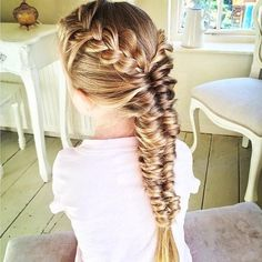 How beautiful is this French braid Topsy Tail fishtail braid from sweethearts_hair_design