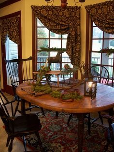 FARMHOUSE INTERIOR Early American Decor Inside This Vintage Farmhouse Seems Perfect With The Primitive