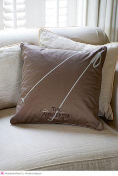 Aspen House Sport Pillow Cover 50 X 50 - Weber Woonwereld Aspen House, Reading Nook, Winter Collectie, Pillow Covers, Throw Pillows, Home Decor, Home, Cushions, Homemade Home Decor