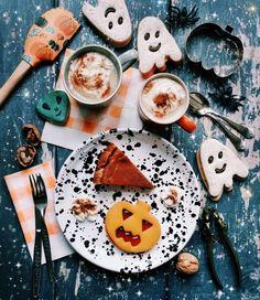 Pumpkin Pie veloce: la torta alla zucca speziata (+ contenuto extra per lo shopping a tema) | Vita su Marte - #creatordapaura Waffle, Pumpkin Spice, Sugar, Holidays, Cookies, Desserts, Shopping, Food, American Pie