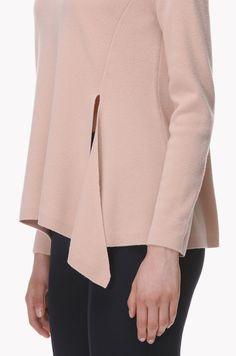 LATT-Front slit wool knit top
