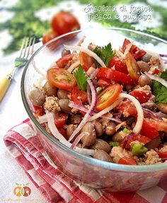 Piatti tipici delle tradizioni Regionali insalata di fagioli fresca e gustosa http://blog.giallozafferano.it/graficareincucina/insalata-di-fagioli-fresca-e-gustosa/