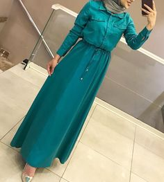 Modern Hijab Fashion, Muslim Women Fashion, Abaya Fashion, Fashion Dresses, Hijab Style Dress, Hijab Chic, Hijab Outfit, Mode Abaya, Mode Hijab