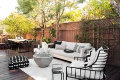 The Great Outdoors: 16 of our Favorite Outdoor Spaces A Homepolish interior decorator can still have plenty of fun with the exterior. Check out some of our favorite outdoor spaces and prepare to spend Outdoor Balcony, Outdoor Rooms, Backyard Patio, Outdoor Decor, Ikea Outdoor, Outdoor Seating Areas, Patio Table, Patio Design, Garden Design