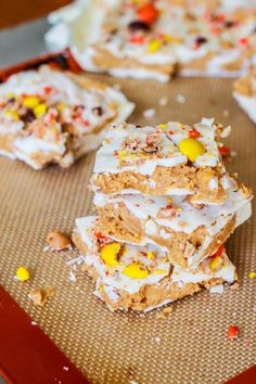 Reese's Peanut Butter White Chocolate Bark by Sallys Baking Addiction