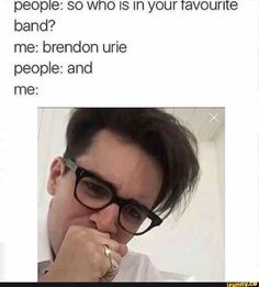 my chemical romance, panic! at the disco, fall out boy, twenty øne piløts. Emo Band Memes, Emo Bands, Music Bands, Funny Band Memes, Jokes, Brendon Urie Memes, The Wombats, What Is Social, Social Anxiety Disorder