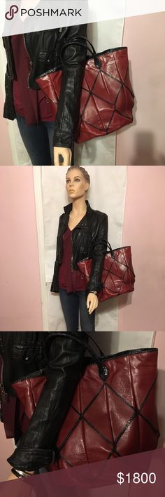 Bottega Veneta Runway Leather/Ayers Tote Bottega Veneta Origami Tote with Ayers trim, color is a fabulous maroon and ayers in  black, dark taupe suede lining with large zippered pocket at side,  Very neutral and easy to wear color, in great condition. Bottega Veneta Bags Totes