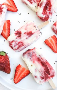 Lavender Cream & Strawberry Popsicles oh my Gelato, Just Desserts, Dessert Recipes, Baking Recipes, Culinary Lavender, Homemade Popsicles, Fruit Popsicles, Sorbets, Tasty