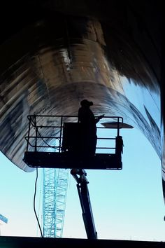 AEB uses Quill Falcon Cyclone dustless blasting machines to soda blast boats and ships in Adelaide.