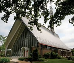 Kirkwood United Methodist Church near St. Louis chose InSpire for their roofing.