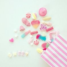Find images and videos about pink, sweet and kawaii on We Heart It - the app to get lost in what you love. Pastel Photography, Sweets Photography, Pastel Candy, Japanese Candy, Pick And Mix, Kawaii Shop, Candy Store, Pretty Pastel, Cute Food