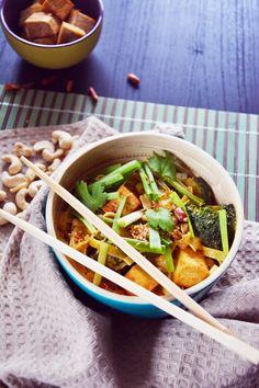Spicy Thai Style Vegan Noodles in Peanut Sauce with Fried Tofu  #vegan #glutenfree #gf