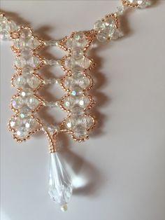 Schmuckset 19 bestehend aus Collier,  Armband  und Ohrringen, plus Schmucketui, Farbe pink,  im Format  16 cm x 12 cm   Erhältlich in meinem Etsy - Shop