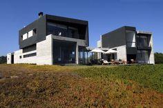 Rabanua / DX Arquitectos    http://www.archdaily.com/310086/rabanua-dx-arquitectos/50d28f20b3fc4b41b30002fa_rabanua-dx-arquitectos_350-exterior_06-jpg/
