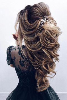 Prom Hairstyles For Long Hair, Twist Hairstyles, Bride Hairstyles, Down Hairstyles, Hairstyle Ideas, Hair Ideas, Bob Hairstyle, Elegant Hairstyles, Prom Hairstyles Half Up Half Down
