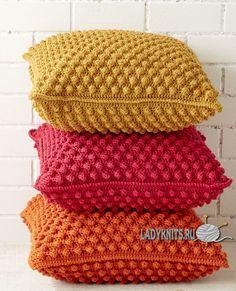 Яркие подушки крючком от Patons