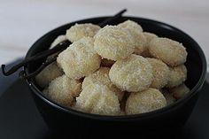 Kokos - Butter - Plätzchen, ein sehr leckeres Rezept aus der Kategorie Kekse & Plätzchen. Bewertungen: 21. Durchschnitt: Ø 3,6.