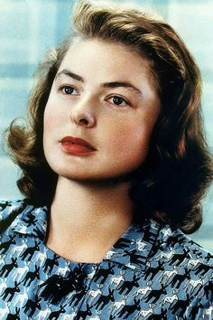 57 Glamorous Color Photos of Ingrid Bergman From Between the and ~ vintage everyday Golden Age Of Hollywood, Vintage Hollywood, Hollywood Stars, Classic Hollywood, Swedish Actresses, Hollywood Actresses, Actors & Actresses, Ingrid Bergman, Isabella Rossellini
