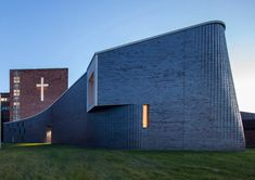 Completed in 2018 in Livonia, United States. Images by Adam Smith, Jeffrey Kilmer. Fostering a spiritual community has always been at the heart of the mission of St Mary Mercy hospital. The first building of the current campus was. Sacred Architecture, Religious Architecture, Architecture Details, Church Architecture, Contemporary Architecture, Hunter Douglas, The Tabernacle, Brick Colors, Digital Fabrication
