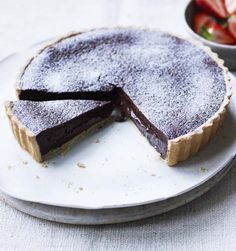 This tart looks like something you might have bought from a French patisserie, but it is so easy to make.This tart looks like something you might have bought from a French patisserie, but it is so easy to make. Tart Recipes, Sweet Recipes, Baking Recipes, Dessert Recipes, Fondant Recipes, Fondant Tips, Sweet Pie, Sweet Tarts, Mary Berry