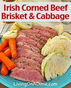 Irish Corned Beef Brisket and Cabbage Recipe If you'd like to serve a yummy St. Patrick's Day themed meal, here are some traditional recipes including an Irish Corned Beef Brisket And Cabbage Recipe! Corned Beef Recipes, Meat Recipes, Cooking Recipes, Healthy Recipes, Corned Beef And Cabbage Recipe Crock Pot, Cornbeef And Cabbage Crockpot, Recipies, Yummy Recipes, Recipes