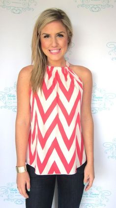 Coral Chevron Top - looks like a pillowcase top for women. Would look really good with a jean jacket. Coral Chevron, Coral Top, Look Formal, Fasion, Fashion Outfits, Girly, Women's Summer Fashion, High Fashion, Fashion Brands