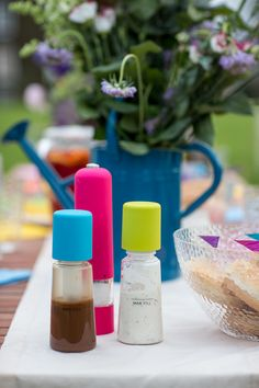 The salad sprayers are stylish yet functional and add fun and colour to any party.