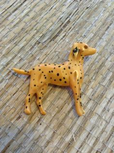 Vintage Bakelite Butterscotch Carved Dalmatian Brooch