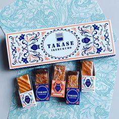 思わずパケ買いしちゃいそう♡レトロ風パッケージお菓子8選 - LOCARI(ロカリ) Spices Packaging, Cake Packaging, Vintage Packaging, Pretty Packaging, Brand Packaging, Packaging Design, Tea Design, Food Design, Healthy Packaged Snacks