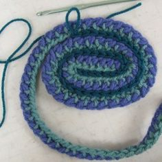 crochet ribbon how-to {great technique to use for placemats, rugs, etc.}