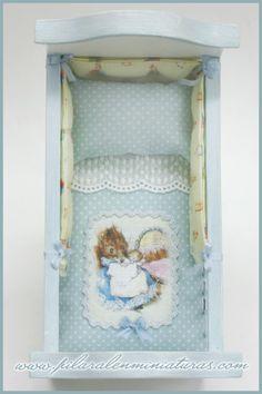 Pilar Alen Miniaturas: linda cuna de Beatrix Potter