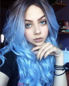 Cabelo loiro com reflexos azuis - Frisuren - Pretty Hairstyles, Wig Hairstyles, Latest Hairstyles, Eva Hair, Coloured Hair, Dye My Hair, Mermaid Hair, Rainbow Hair, Hair Colors