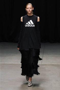 Sport Fashion, Womens Fashion, Hyke, Japanese Fashion, Runway Fashion, Street Style, Adidas, Black And White, Knitting