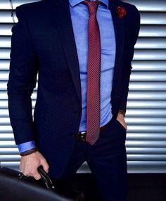 - Dark Shirt - Ideas of Dark Shirt - Light blue shirt / dark blue suit / red tie. Dark Blue Suit, Blue Suit Men, Black Suits, Blue Suit Blue Shirt, Navy Suits, Groom Suits, Groom Attire, Red Shirt, Blue Shirt Outfit Men