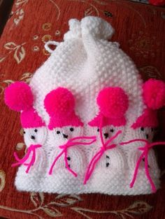 This Pin was discovered by Sve Crochet Beanie Pattern, Mittens Pattern, Crochet Baby Hats, Knitted Hats, Knitting For Kids, Crochet For Kids, Hand Knitting, Baby Girl Patterns, Baby Knitting Patterns