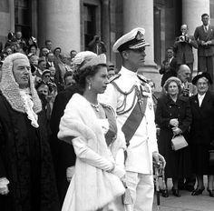 Queen Elizabeth II and Prince Philip Young Queen Elizabeth, Elizabeth Philip, Princess Elizabeth, Princess Margaret, Princess Kate, Hm The Queen, Royal Queen, Her Majesty The Queen, King Queen