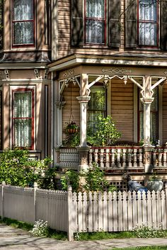 Classic Victorian Detail by Mike  Savad