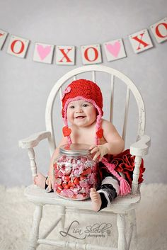 New Ideas Baby Pictures Valentines Day Mini Sessions Valentine Hats, Valentine Mini Session, Valentine Picture, Holiday Mini Session, Valentines Day Baby, Valentines Day Pictures, Valentine Ideas, Photography Mini Sessions, Holiday Photography