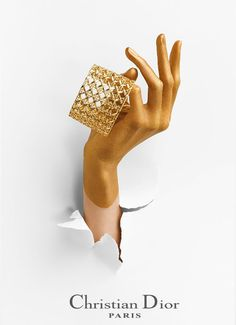Not sure where this fits but something tells me this could be awesome if we take the layout but dip it into the Motto Brand. Dior Jewelry, Jewelry Ads, Hand Jewelry, Best Jewelry Stores, Photo Jewelry, Jewelry Shop, Jewelry Design, Fashion Jewelry, Jewellery Bracelets