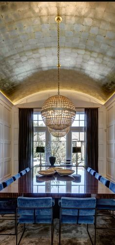 Ceiling and Light Dreams Dome Ceiling, Floor Ceiling, Ceiling Decor, Ceiling Design, Wooden Bar Table, Venetian Plaster Walls, Hidden House, Yoga Studio Design, Modern Colonial